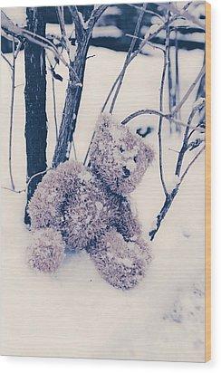 Teddy In Snow Wood Print by Joana Kruse