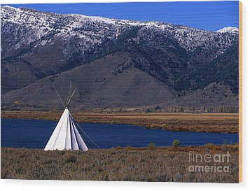 Tepee Wood Print by Barry Shaffer