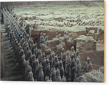 Terracotta Warriors Wood Print by Ronnie Glover