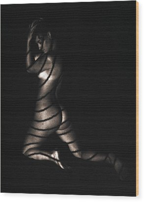 Wood Print featuring the photograph Terri Kneeling Bw Lines by David Wohlfeil