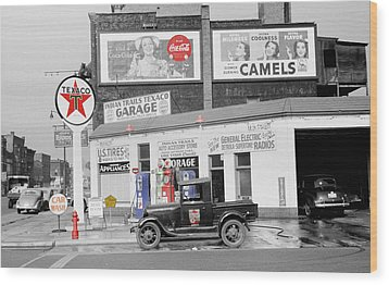 Texaco Station Wood Print by Andrew Fare