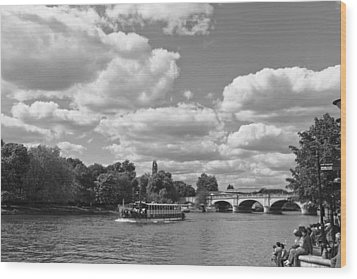 Wood Print featuring the photograph Thames River Cruise by Maj Seda