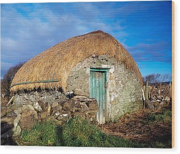 Thatched Shed, St Johns Point, Co Wood Print by The Irish Image Collection