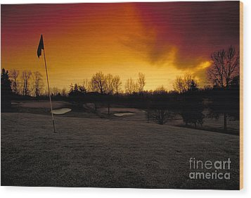 The 19th Hole Wood Print by Guy Harnett