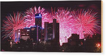 The 54th Annual Target Fireworks In Detroit Michigan Wood Print by Gordon Dean II