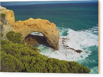 The Arch With Breaking Wave Wood Print by Dennis Lundell
