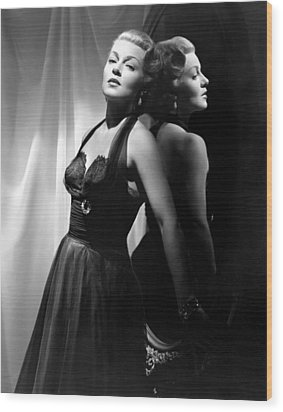 The Bad And The Beautiful, Lana Turner Wood Print by Everett