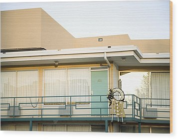 The Balcony Of The Lorraine Motel Where Wood Print by Everett