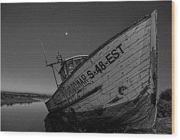 The Boat Wood Print by Armando Carlos Ferreira Palhau