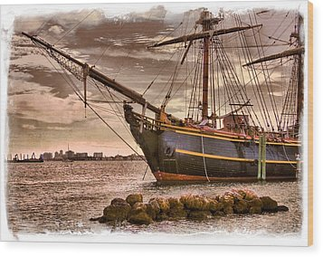 The Bow Of The Hms Bounty Wood Print by Debra and Dave Vanderlaan