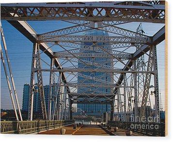 The Bridge In Nashville Wood Print by Susanne Van Hulst