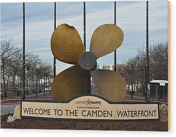 The Camden Waterfront Wood Print by Bill Cannon