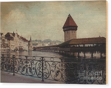 The Chapel Bridge In Lucerne Switzerland Wood Print by Susanne Van Hulst