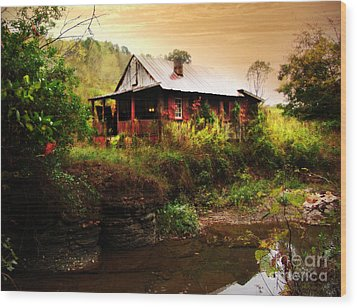 The Cottage By The Creek Wood Print by Lj Lambert