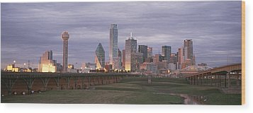 The Dallas Skyline At Dusk Wood Print by Richard Nowitz