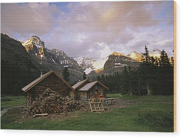 The Elizabeth Parker Hut, A Log Cabin Wood Print by Michael Melford