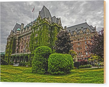 The Empress Hotel On Victoria Island Wood Print by Gregory Dyer