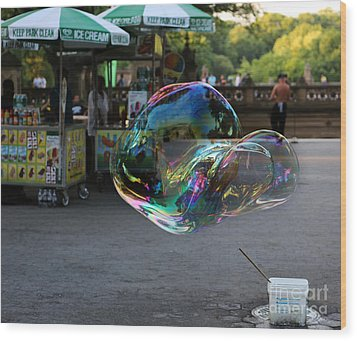 The Giant Bubble At Bethesda Terrace Wood Print by Lee Dos Santos