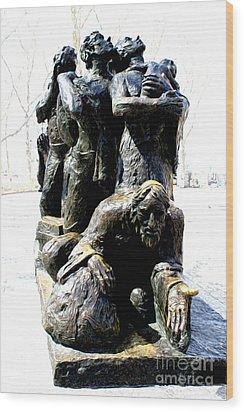The Immigrants Wood Print by Anne Raczkowski