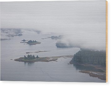 The Islands Of The Inside Passage Wood Print by Taylor S. Kennedy