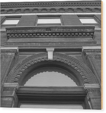 The Manley Popcorn Building Bw Wood Print by Elizabeth Sullivan