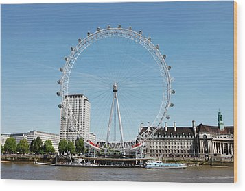 The Millennium Wheel And Thames Wood Print by Richard Newstead