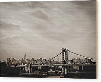 The New York City Skyline And The Manhattan Bridge Wood Print by Vivienne Gucwa