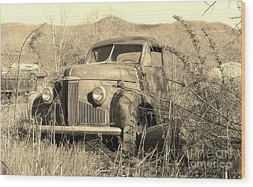 Wood Print featuring the photograph The Ole Studebaker by Laurinda Bowling