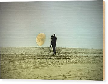 The Photographer Wood Print by Bill Cannon