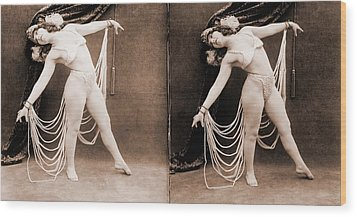 The Primadonna, A Stereo Photo Wood Print by Everett