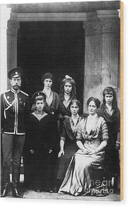 The Romanovs Wood Print by Science Source