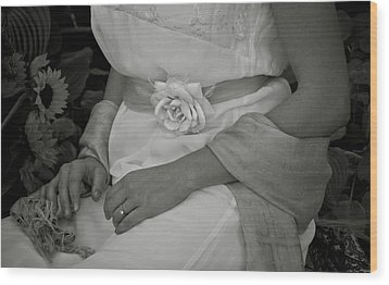 The Rose And Her Ring Wood Print by Robin Robinson
