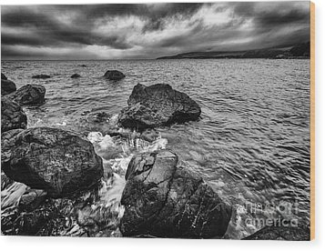 The Sound Of The Waves Wood Print by John Farnan