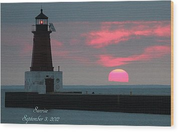 The Sun Is Rising  Wood Print by Sheila Werth