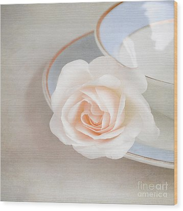 The Sweetest Rose Wood Print by Lyn Randle