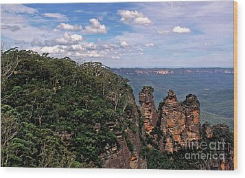 The Three Sisters - The Blue Mountains Wood Print by Kaye Menner