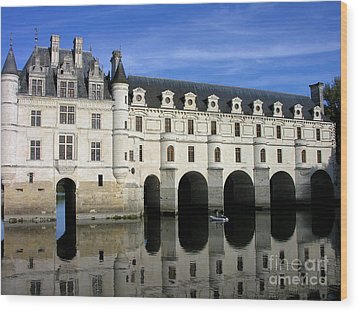 The Tranquility Of The Chateau De Chenonceau Wood Print by Anne Gordon