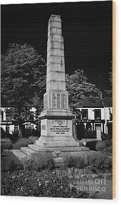 The War Memorial Newtownards County Down Northern Ireland Wood Print by Joe Fox