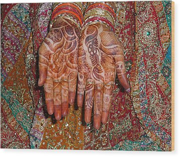 The Wonderfully Decorated Hands And Clothes Of An Indian Bride Wood Print