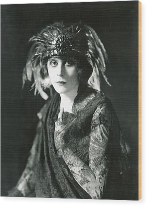 Theda Bara In The Broadway Show The Wood Print by Everett
