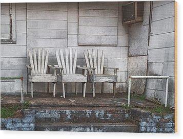 Three Chairs Beyond Front Street Wood Print by Brenda Bryant