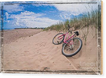 To The Beach Wood Print by Edward Fielding