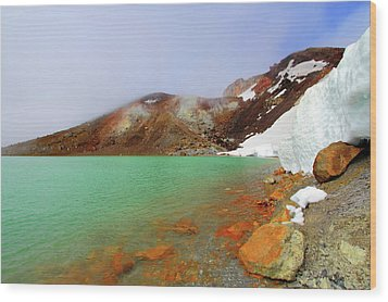 Tongariro Track Emerald Lakes New Zealand Wood Print by Timphillipsphotos