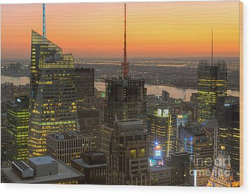 Top Of The Rock Twilight Ix Wood Print by Clarence Holmes