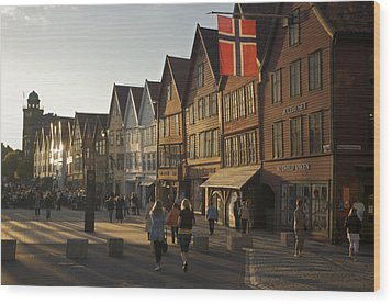 Tourists Walking In A Street In Bergen Wood Print by Michael Melford