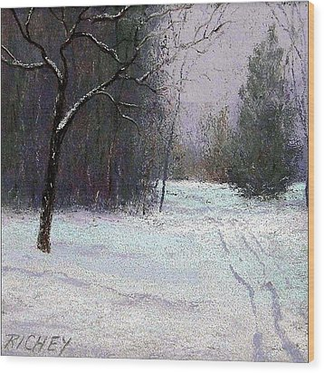 Trees In A Winter Fog Wood Print by Bob Richey