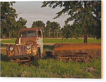 Truck And Tank 31 Wood Print by Douglas Barnett