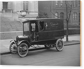 Trucks. Dermonets Ford Delivery Truck Wood Print by Everett