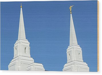 Trumpeting The Arrival Of The Lord Wood Print by Gary Baird