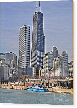 Tugboat On The Chicago River Wood Print by Mary Machare